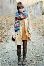 brown boots - cream H&M coat - blue romwe scarf