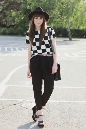 black Bershka pants