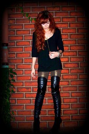gold rats sass & bide leggings - black thigh high Gucci boots - black t-shirt