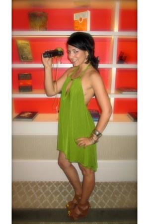 chartreuse fishtail jersey FlirtNation dress - tawny suede Dolce Vita wedges