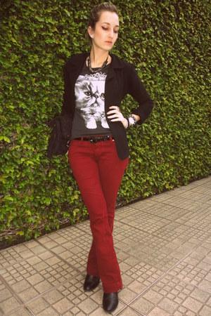 black blazer - brick red pants - gray t-shirt