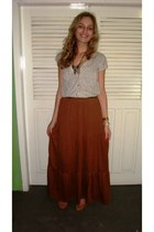 tawny skirt - bronze shoes - off white top - black belt