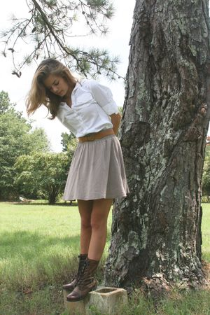 white Converse shirt - beige skirt - brown Steve Madden Harllem Boots shoes - be