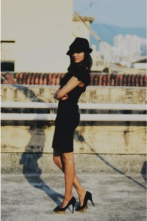 Zara hat - Mango dress - Zara pumps