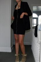 Second Female blazer - H&M dress - H&M necklace - Palladium shoes