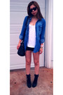 Black-aldo-boots-blue-walmart-shirt-steve-madden-bag