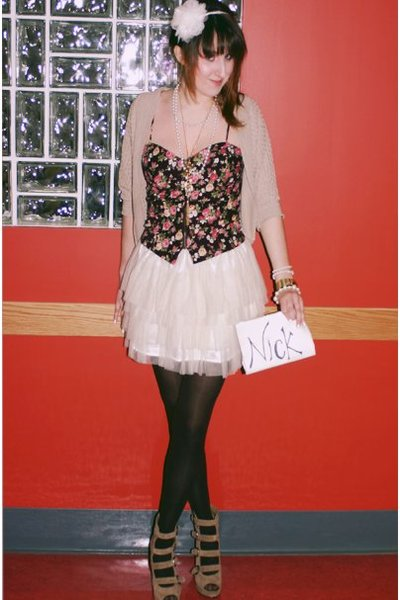 red Forever 21 top - beige Forever 21 sweater - white Wet Seal skirt - beige For