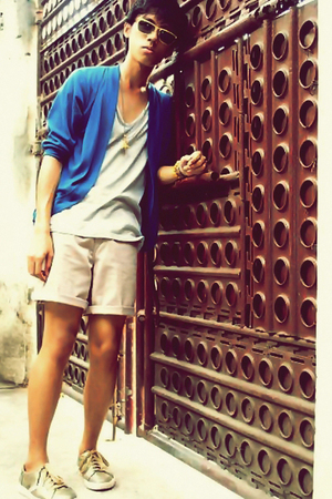 beige shorts - gold shoes - gray shirt - blue cardigan - gold accessories