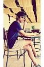 Blue-zara-shirt-white-blazer-beige-gap-shorts-white-shoes-black-ray-ban-