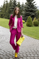 yellow suede Graciana boots - white Incity shirt - yellow Stradivarius bag