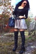 black boots - black bag - gold bracelet - beige Guess skirt