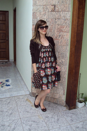 dark brown Antix dress - black hello kitty bag - crimson Marisa sunglasses - dar