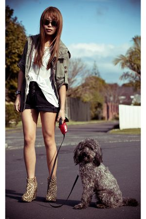 green Urban jacket - brown Jeffrey Campbell boots