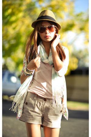 beige shorts - blue scarf