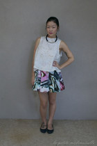 black necklace zowie necklace - white top Bachhara top