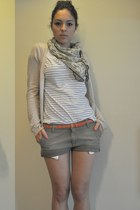 olive green Rams 23 scarf - dark khaki Carhartt shorts - light blue Zara t-shirt