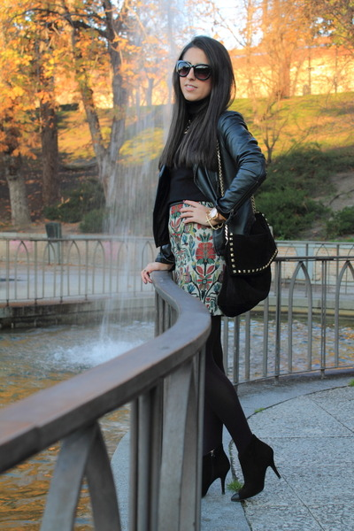 ruby red skirt - black bag - forest green heels