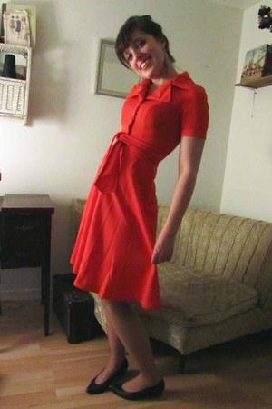 thrifted vintage dress - Browns heels