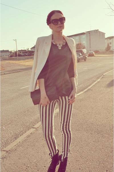 black vintage bag - white Jacqueline de Young blazer - black LHS