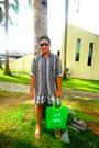 Thrifted-shirt-mossimo-shorts-black-aldo-sunglasses-yellow-flipflops-havai