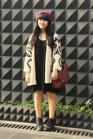 beige Sheinside cardigan - black leather ankle Topshop boots