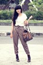 Beige-vintage-blazer-beige-flashy-top-brown-bloop-endorse-pants-brown-shoe