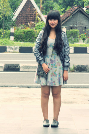 charcoal gray Zara jacket - heather gray floral skater Topshop dress