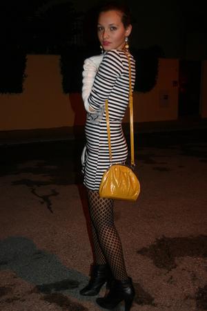 black Primark dress - black BLANCO tights - gold Stradivarius accessories - blac