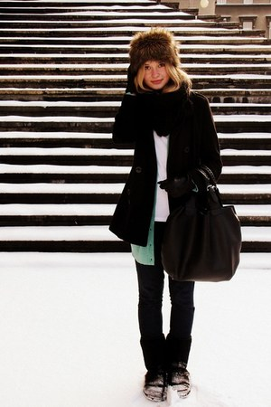 Zara coat - Zara jeans - Glitter hat - Glitter scarf