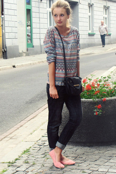 Zara sweater - H&M shoes - Mango bag - pull&bear pants