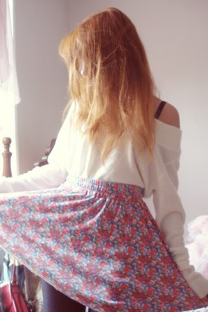 floral skirt - leather boots Ferruci boots - white sweater