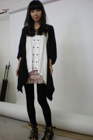 pink H&M skirt - white Forever 21 top - black C&C California cardigan - black Do
