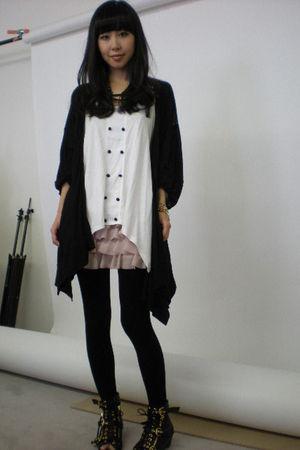 pink H&M skirt - white Forever 21 top - black C&C California cardigan - black Do
