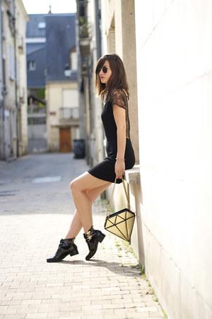 diamond gold Sunita Mukhi bag - patent leather Modress boots