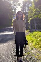 black leather Kate Lee bag - black cotton Pimkie pants