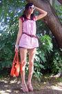 Red-thrifted-t-shirt-pink-platos-closet-top-brown-thrifted-belt-blue-ross-