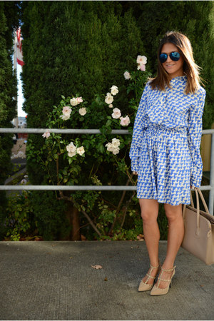 t-strap studded lulus pumps - Gap dress - blue aviator sunglasses