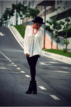 black sage Senso boots - black Forever 21 hat - black high waisted Topshop leggi