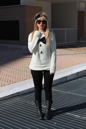 white Saraeluka sweater - black Zara leggings