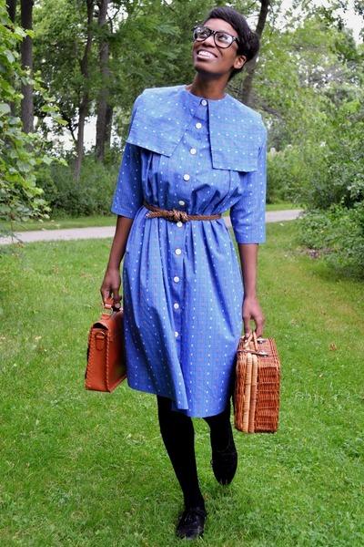 blue vintage dress - black sheer thrifted tights