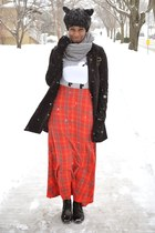 red plaid maxi Kersh skirt - black JollyChic coat