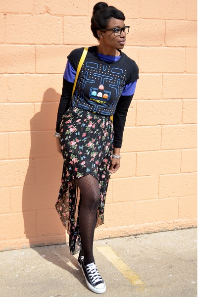 black pacman thrifted t-shirt - black modcloth tights - yellow VJ Style bag