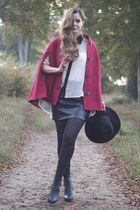red cape JARLO cape - ankle boots Dorothy Perkins boots