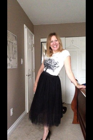 dark gray tulle skirt