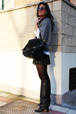 Zara boots - Zara sweater - Stradivarius skirt