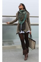Zara boots - Bershka jacket - Carolina Herrera bag