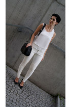 white chiffon Choies blouse - black Zara bag - white leather pull&bear pants
