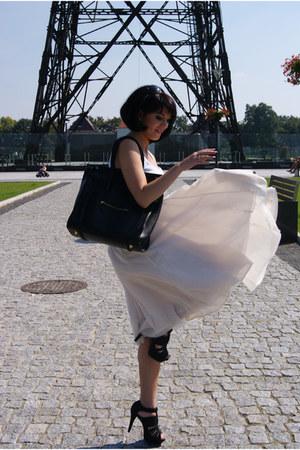 eggshell H&M skirt - black CCC shoes - white H&M top