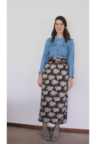 navy Bear and Twine skirt