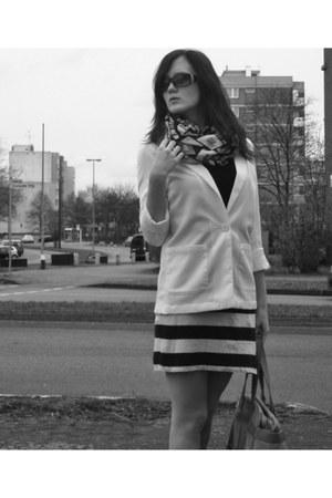 blazer - scarf - bag - belt - top - skirt